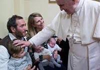 papa-francisco-y-familia